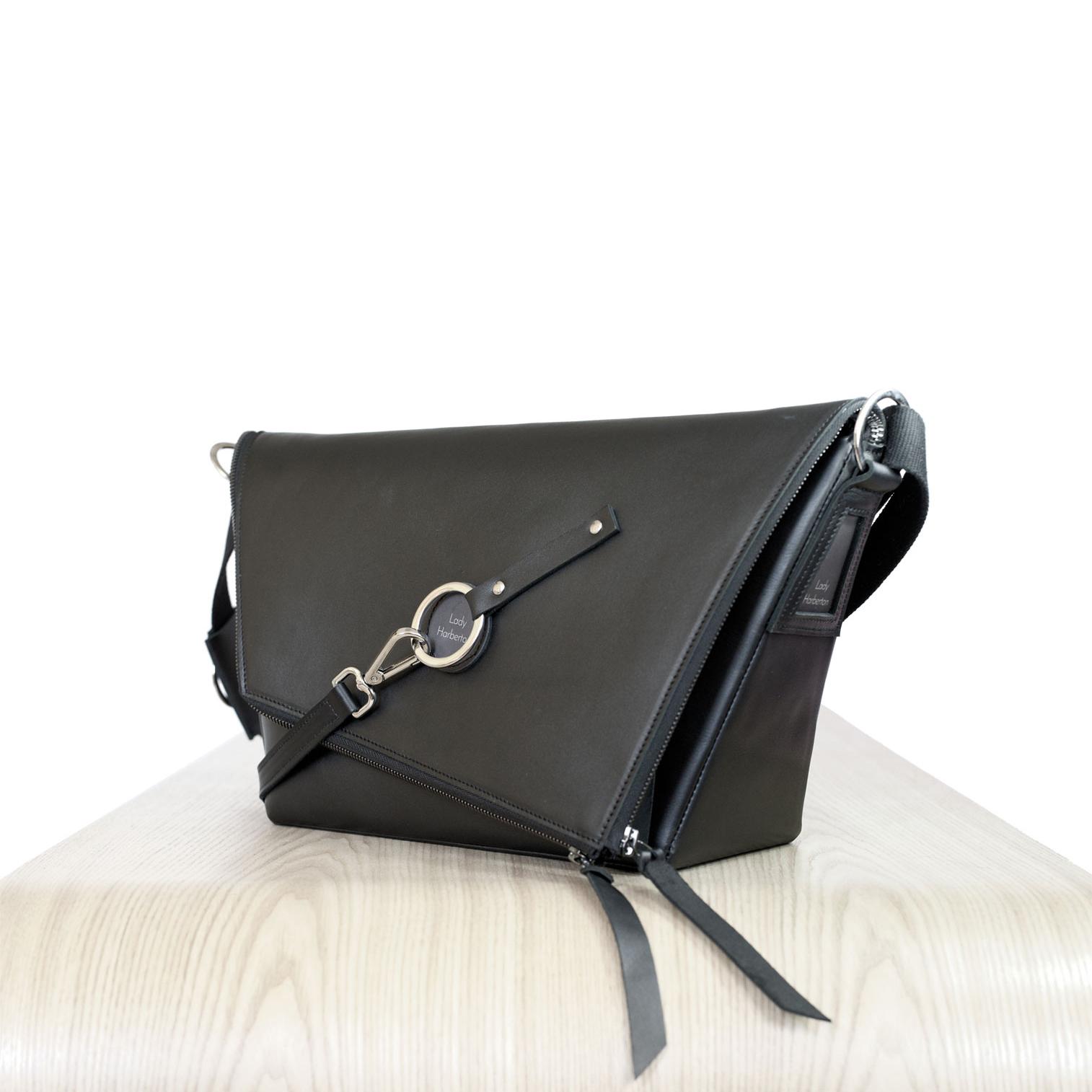 1d2f345151a2 ... black leather satchel Le Messenger Lady Harberton ...