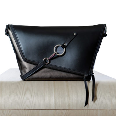 sac-main-cuir-noir-bronze-messenger-lady-harberton-vue-face